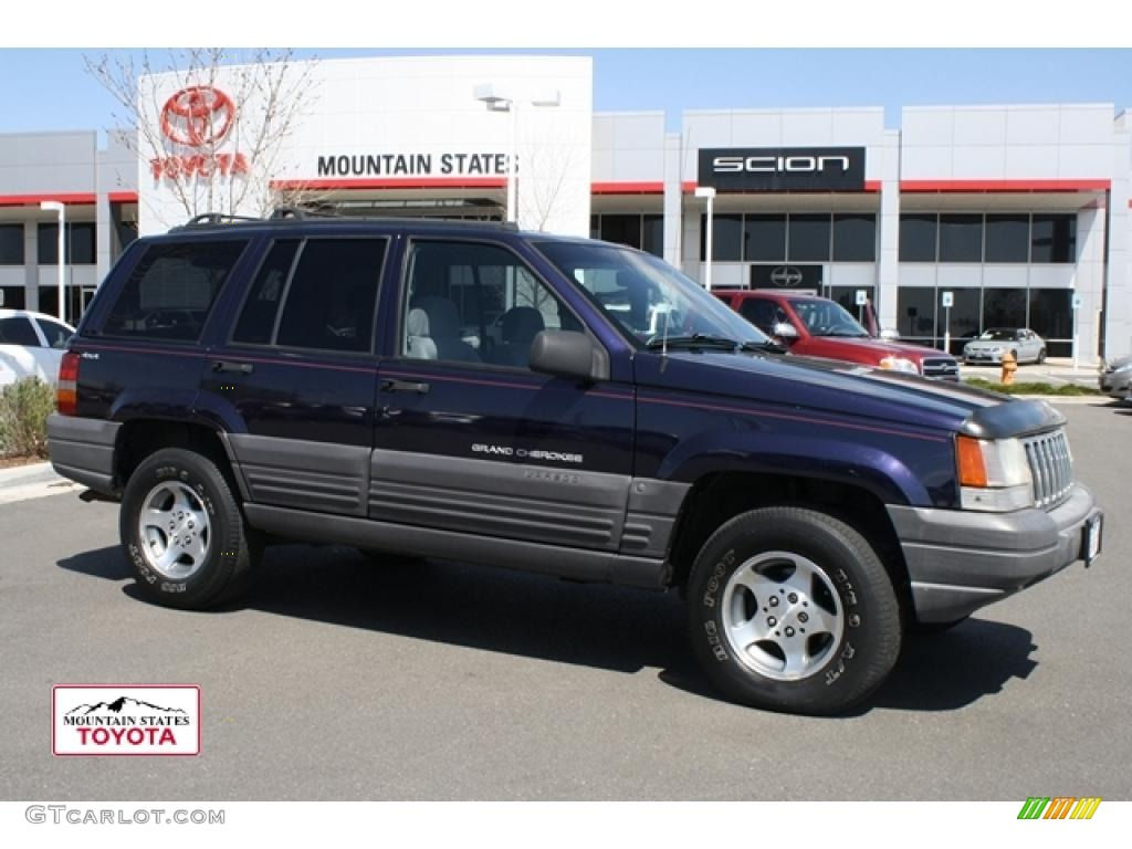 1997 Grand Cherokee Laredo 4x4   Deep Amethyst Pearl / Agate Black Photo #1