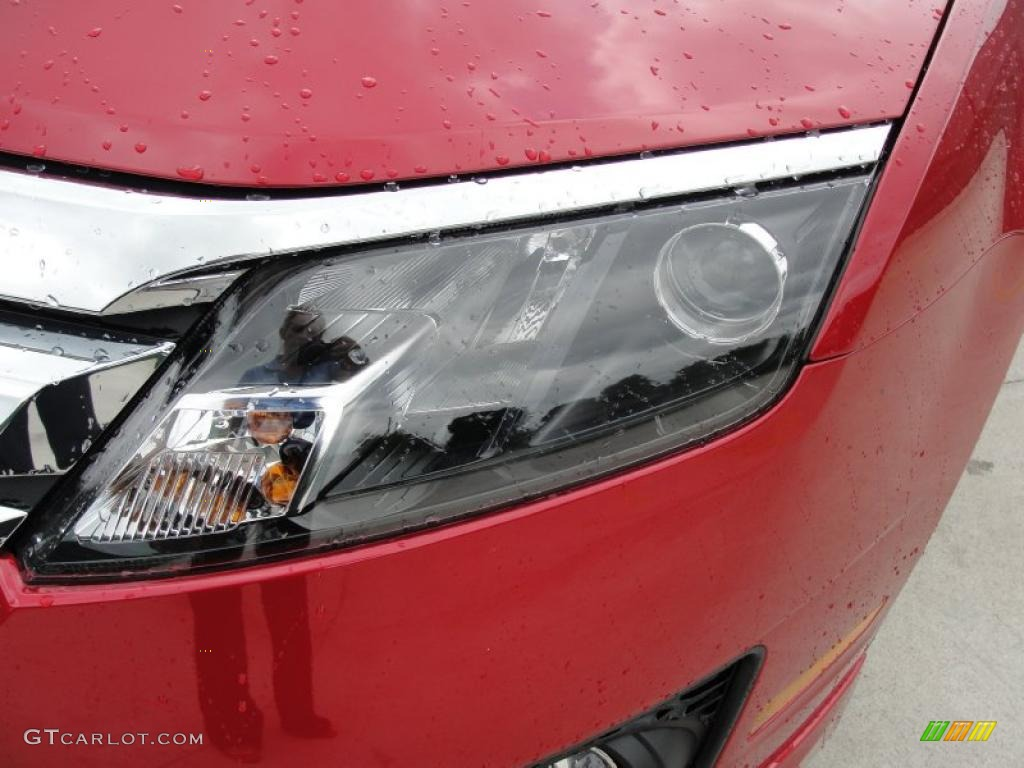2011 Fusion SE - Red Candy Metallic / Charcoal Black photo #9