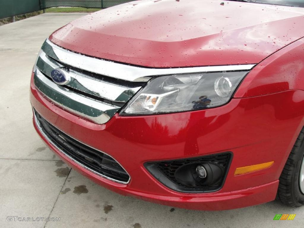2011 Fusion SE - Red Candy Metallic / Charcoal Black photo #10