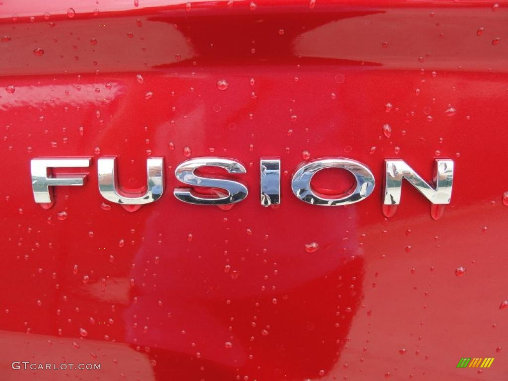 2011 Fusion SE - Red Candy Metallic / Charcoal Black photo #15