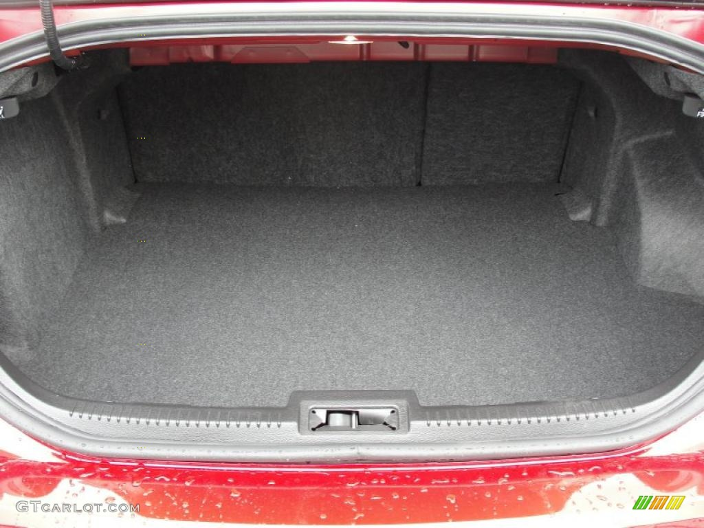 2011 Fusion SE - Red Candy Metallic / Charcoal Black photo #17