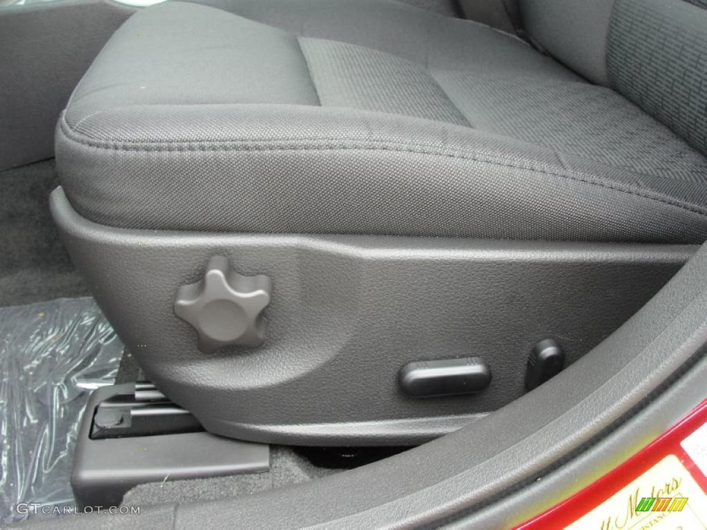 2011 Fusion SE - Red Candy Metallic / Charcoal Black photo #25