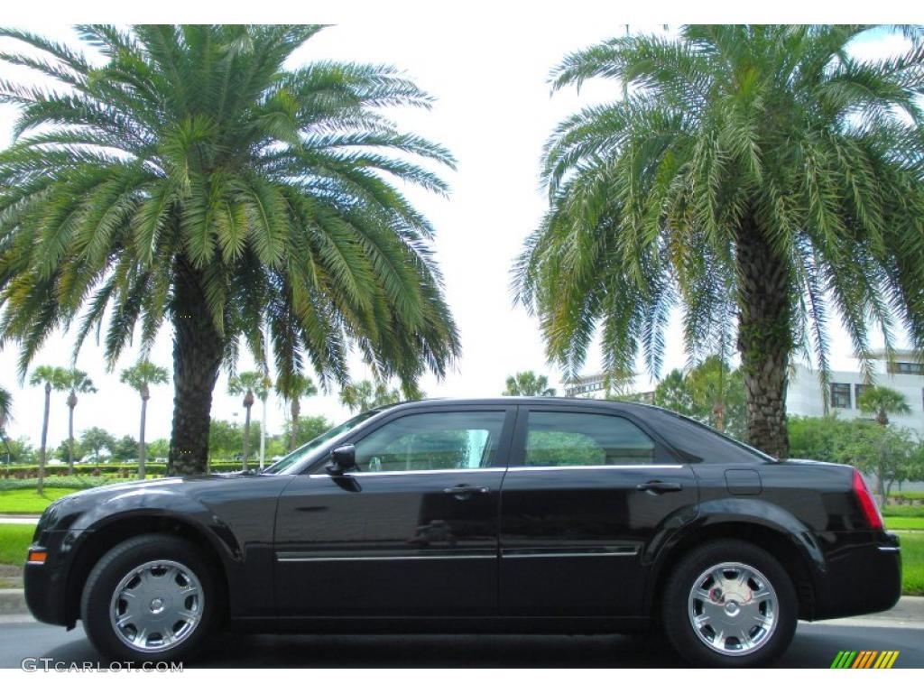 2005 300 Touring - Brilliant Black Crystal Pearl / Dark Slate Gray/Medium Slate Gray photo #1