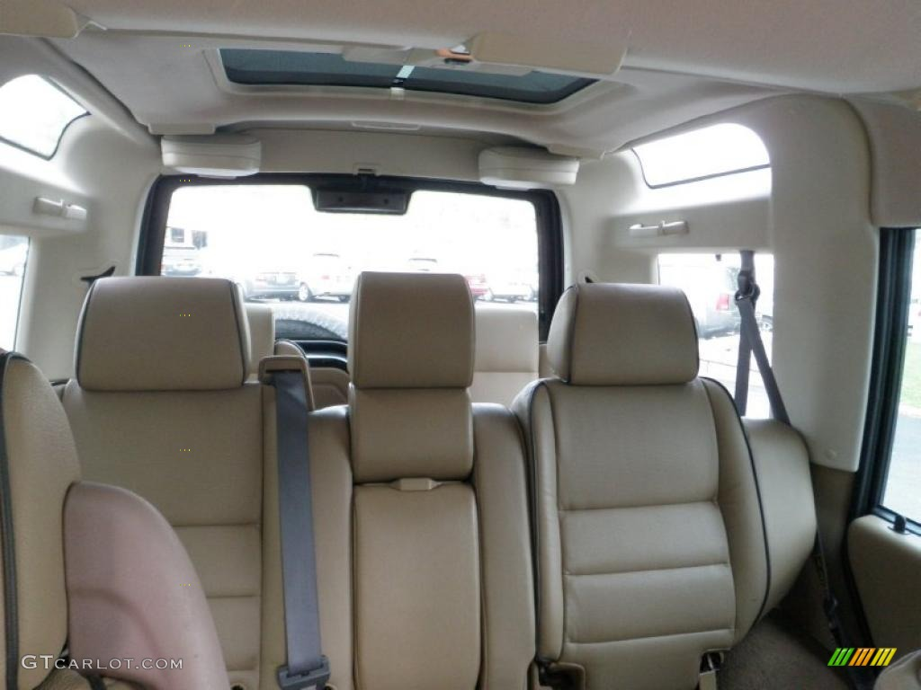 Bahama Beige Interior 2002 Land Rover Discovery Ii Se7 Photo 48229874