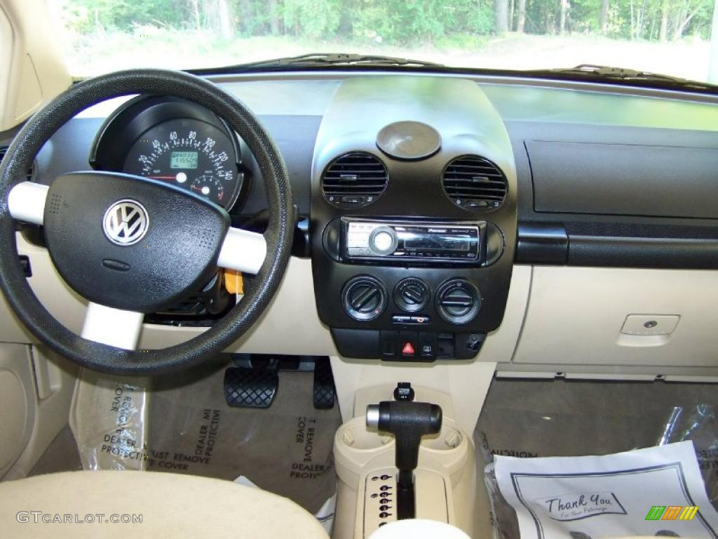 Gray Vw Beetle >> 2002 Volkswagen New Beetle GLS Coupe Cream Beige Dashboard Photo #48234573 | GTCarLot.com