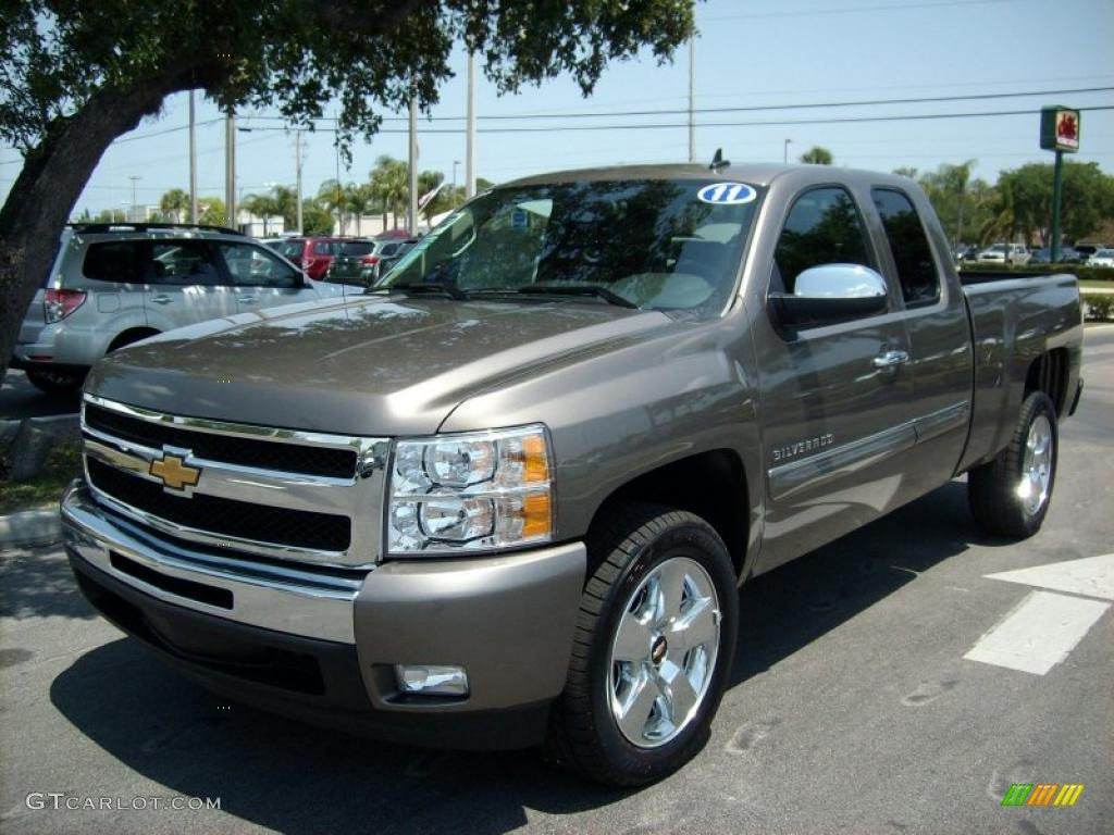 2011 Silverado 1500 LT Extended Cab - Mocha Steel Metallic / Ebony photo #1