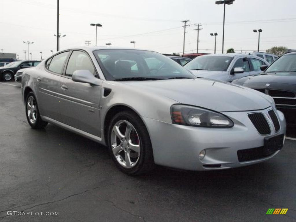 liquid silver metallic 2006 pontiac grand prix gxp sedan