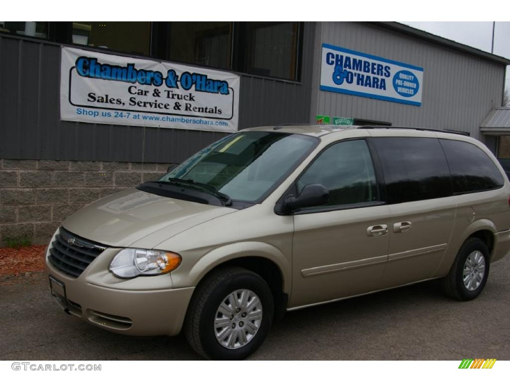 2006 linen gold metallic chrysler town country lx 48268599 car color galleries. Black Bedroom Furniture Sets. Home Design Ideas