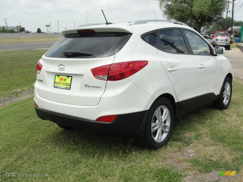 cotton white 2011 hyundai tucson gls exterior photo. Black Bedroom Furniture Sets. Home Design Ideas