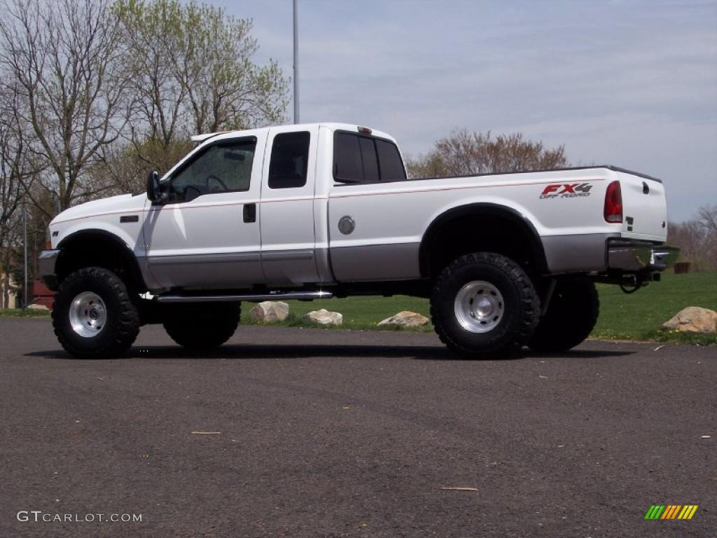 Oxford white 2002 ford f250 super duty xlt supercab 4x4 exterior photo 48293140