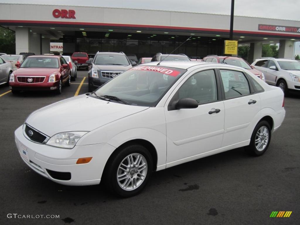 2006 cloud 9 white ford focus zx4 se sedan 48268696 car color galleries. Black Bedroom Furniture Sets. Home Design Ideas