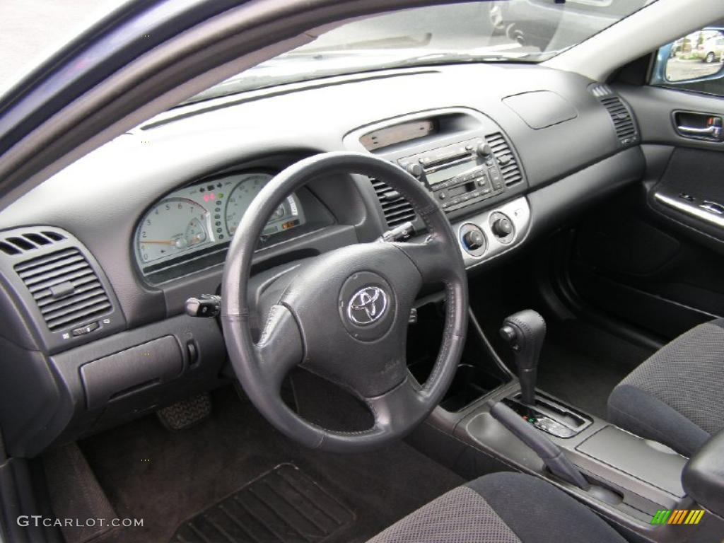 Dark Charcoal Interior 2004 Toyota Camry SE V6 Photo #48315946 ...