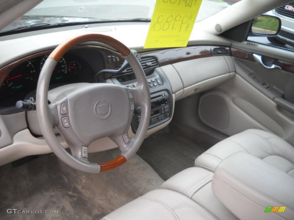 Oatmeal Interior 2002 Cadillac Deville Dhs Photo 48364159