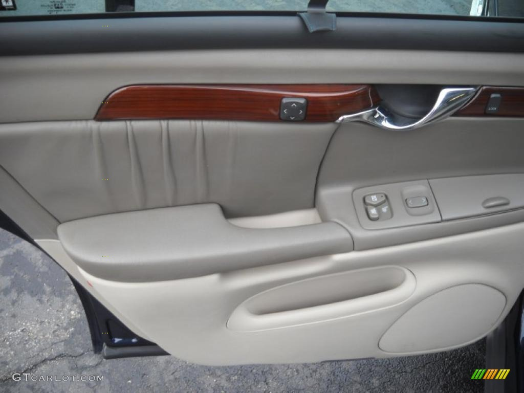 2002 Cadillac Deville Dhs Oatmeal Door Panel Photo 48364270