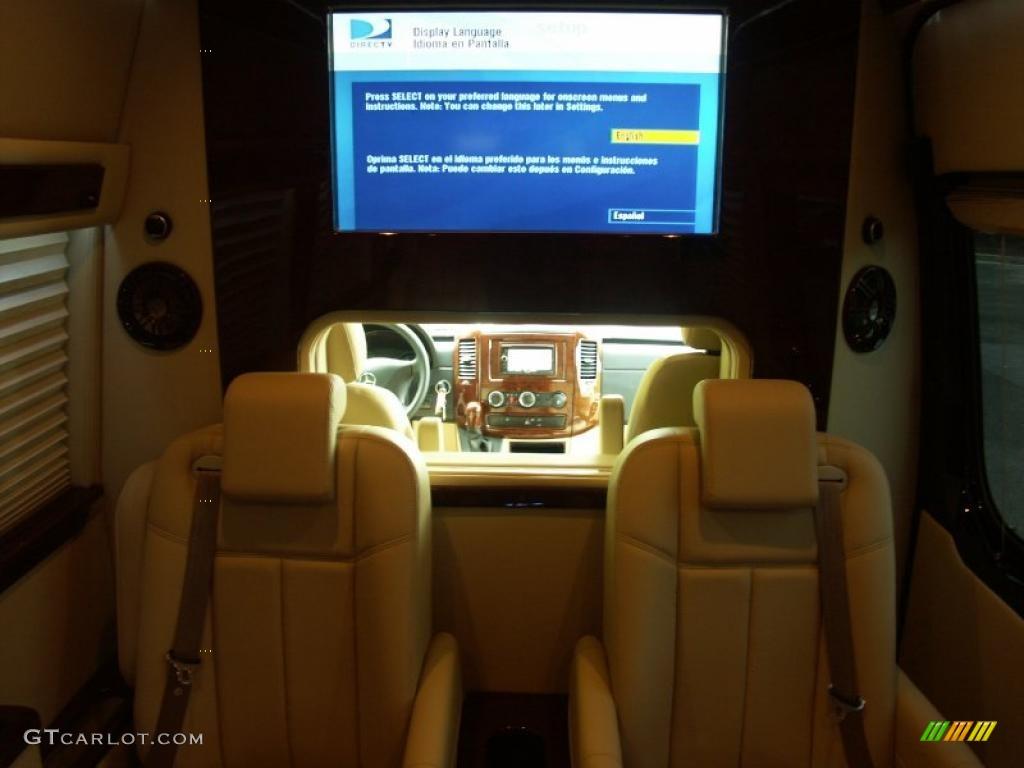 2011 mercedes benz sprinter 2500 high roof passenger for Mercedes benz sprinter van interior