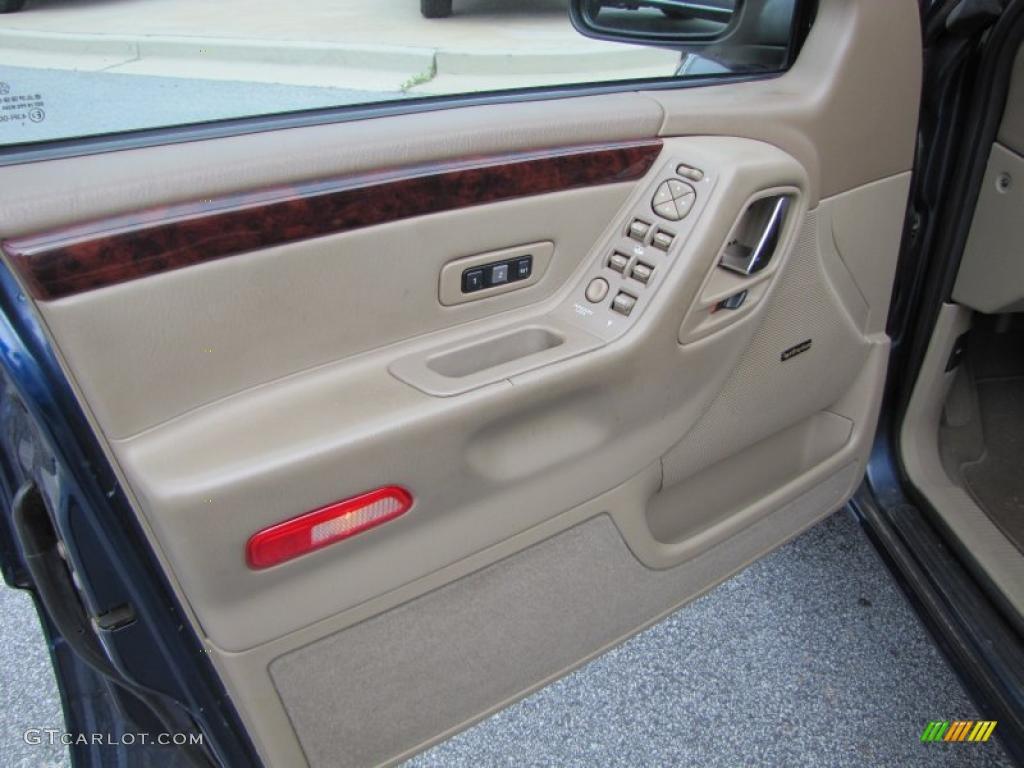 2001 Jeep Grand Cherokee Limited Sandstone Door Panel Photo 48418846