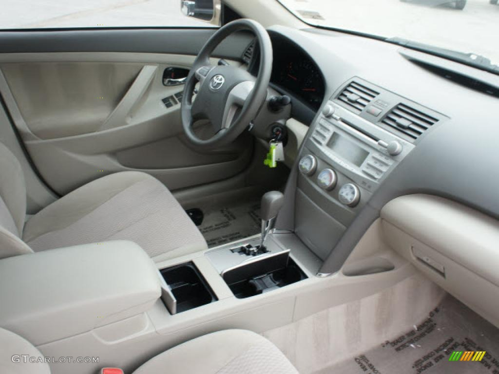 2010 Toyota Camry Le Interior Photo 48434952