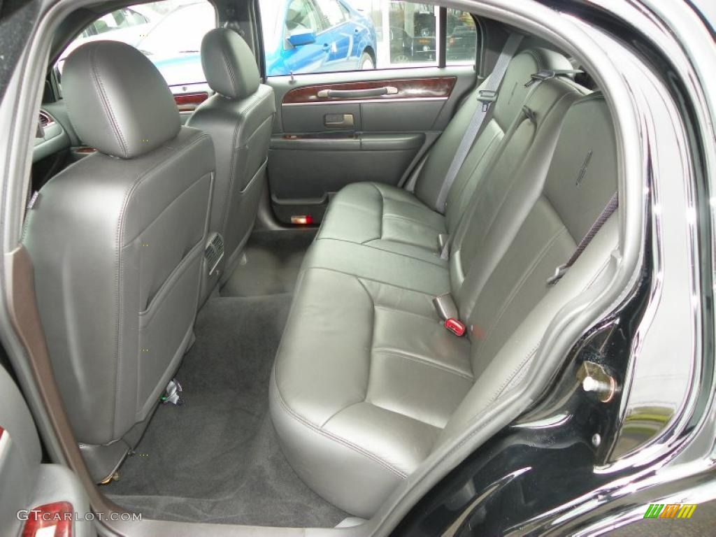 black interior 2010 lincoln town car signature limited photo 48462186. Black Bedroom Furniture Sets. Home Design Ideas