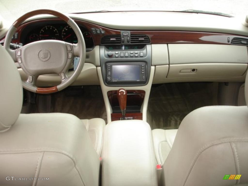 2003 Cadillac Deville Dts Oatmeal Dashboard Photo 48475338