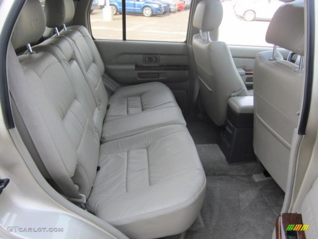 on 2000 Infiniti Qx4 Interior