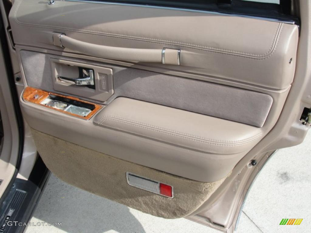 Car Door Panel : Lincoln town car signature beige door panel photo