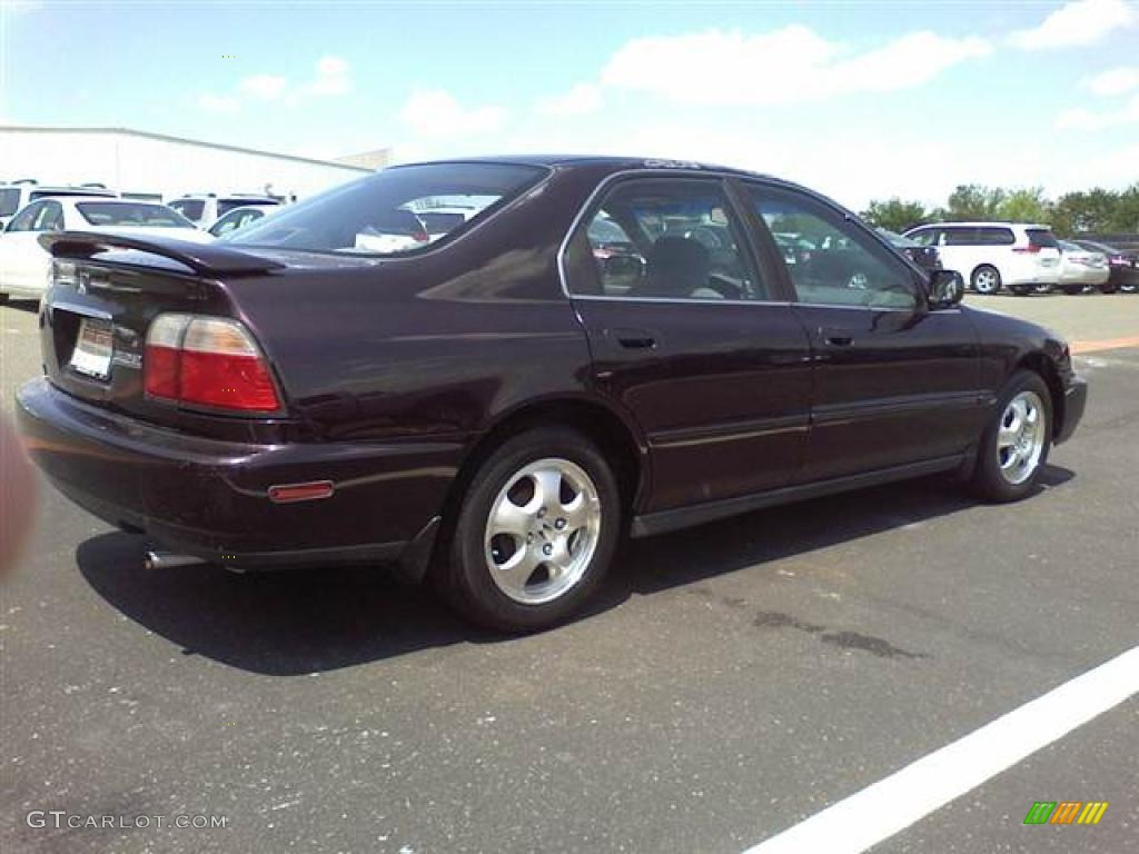 Amazing Black Currant Metallic 1997 Honda Accord SE Sedan Exterior Photo #48512659