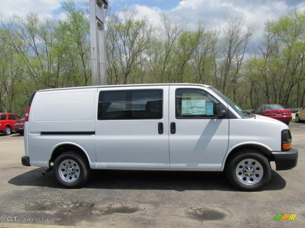 summit white 2011 chevrolet express 1500 awd cargo van exterior photo 48532343. Black Bedroom Furniture Sets. Home Design Ideas