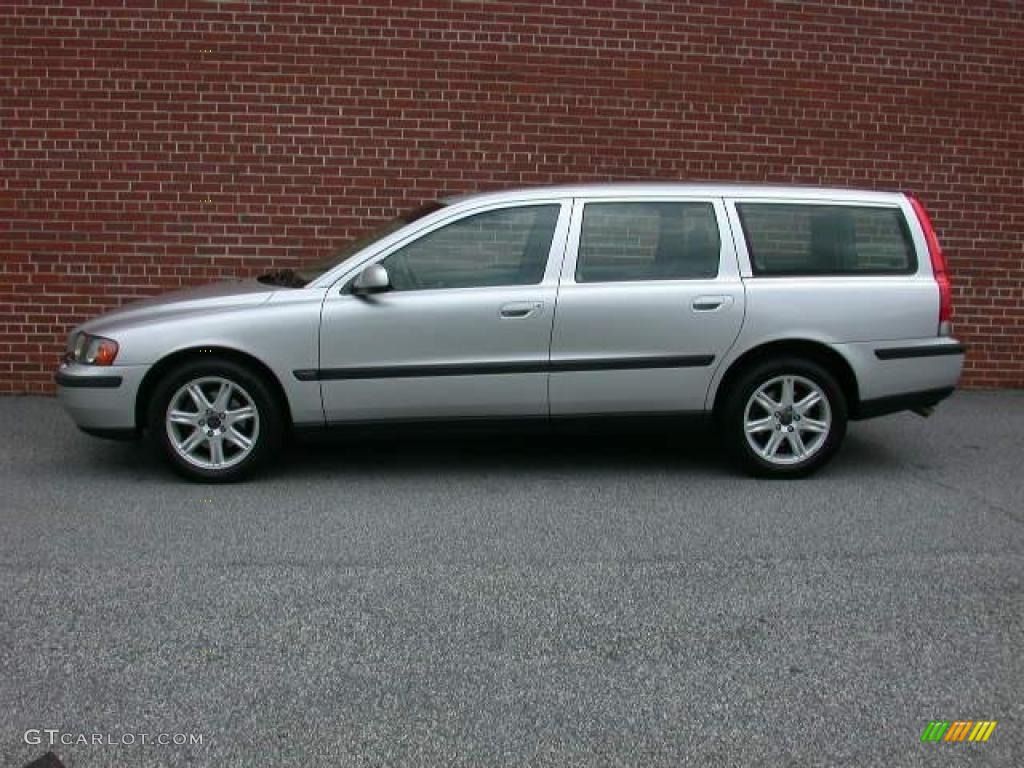 Silver metallic 2002 volvo v70 2 4t wagon exterior photo 48533753