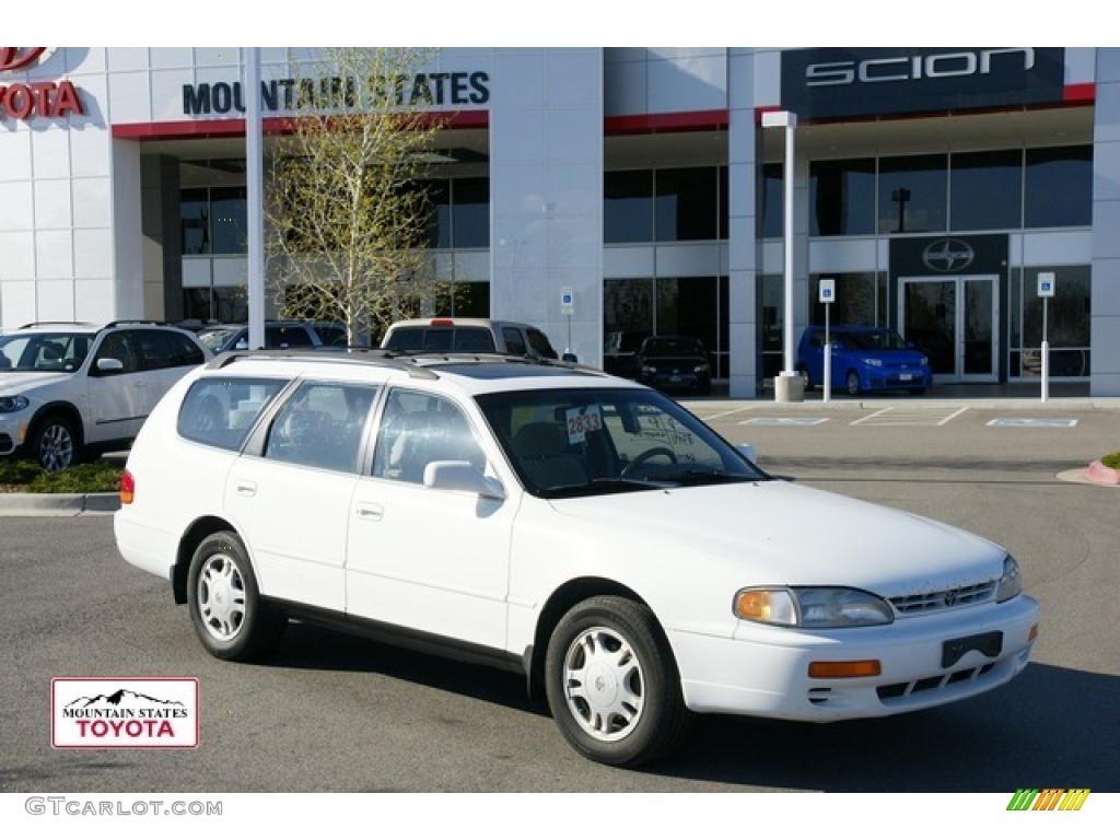 1996 super white toyota camry le v6 wagon 48520122. Black Bedroom Furniture Sets. Home Design Ideas