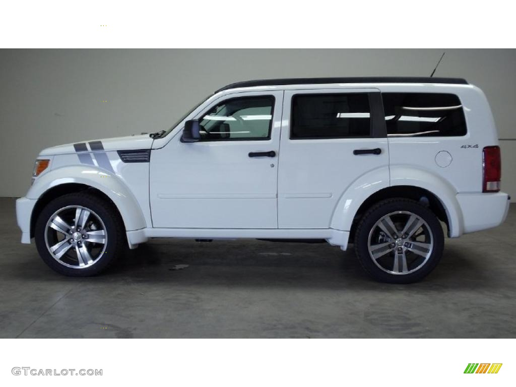 Bright white 2011 dodge nitro detonator 4x4 exterior photo 48584314