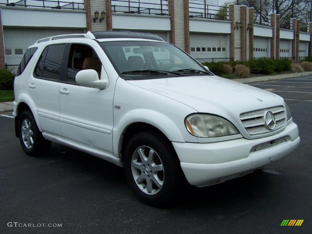 Polar white 2000 mercedes benz ml 430 4matic exterior for Mercedes benz polar white paint
