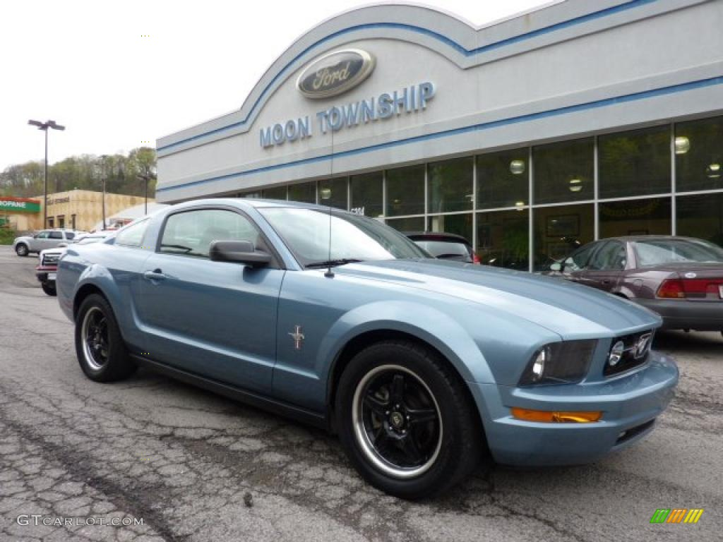 2006 Mustang V6 Premium Coupe - Windveil Blue Metallic / Dark Charcoal photo #1