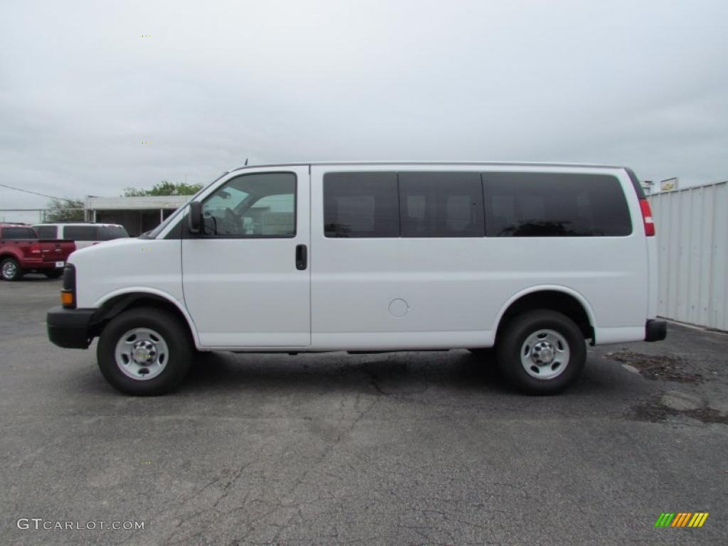Summit white 2011 chevrolet express ls 3500 passenger van exterior photo 48616502
