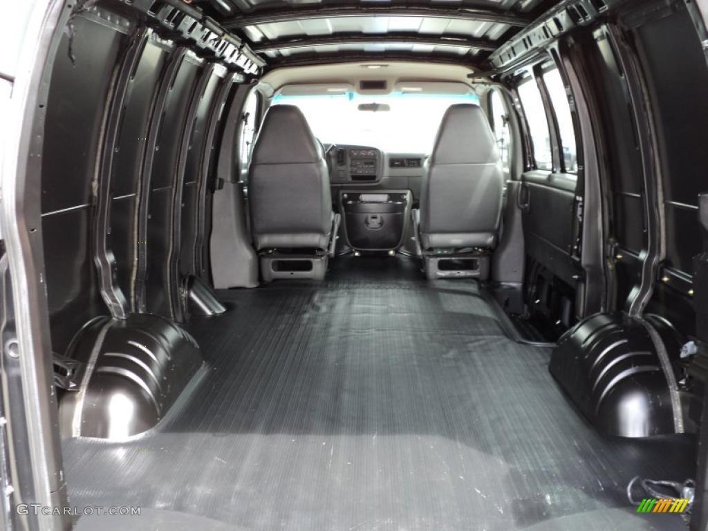 2001 Chevrolet Express 1500 Cargo Van Trunk Photo