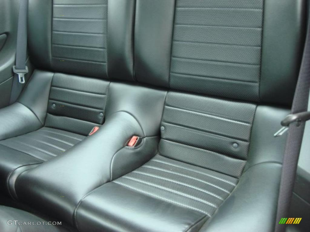 Dark Charcoal Interior 2006 Ford Mustang GT Premium Coupe Photo #48721949