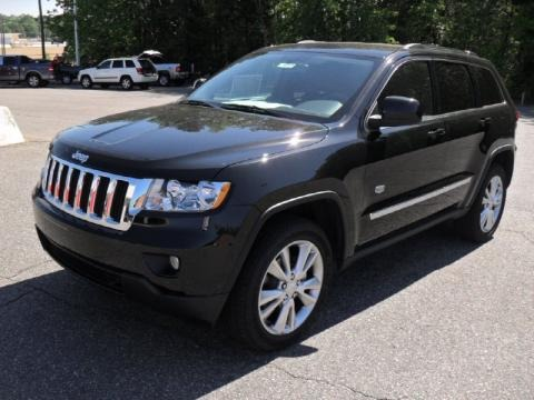 2011 jeep grand cherokee laredo x 70th anniversary 4x4 data info and specs. Black Bedroom Furniture Sets. Home Design Ideas