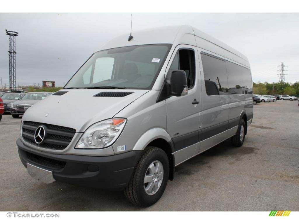 Brilliant silver metallic 2011 mercedes benz sprinter 2500 for 2011 mercedes benz sprinter 2500