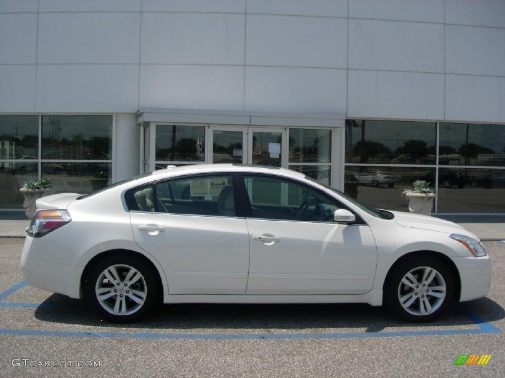 2010 Winter Frost White Nissan Altima 3.5 SR #48770393 Photo #5 ...