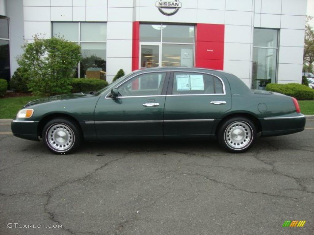 1999 dark satin green metallic lincoln town car executive 48770398 photo 2. Black Bedroom Furniture Sets. Home Design Ideas