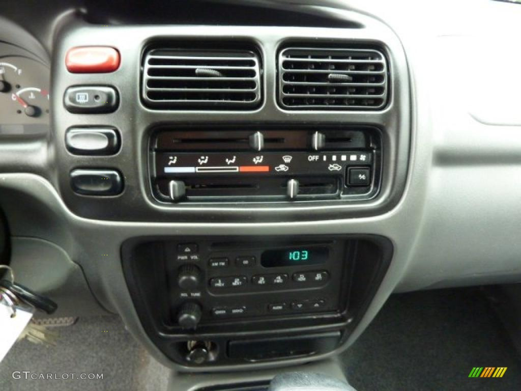 2000 Chevrolet Tracker 4WD Hard Top Controls Photos  GTCarLotcom