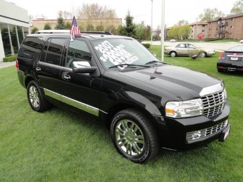 2007 Lincoln Navigator Luxury 4x4 Data, Info and Specs