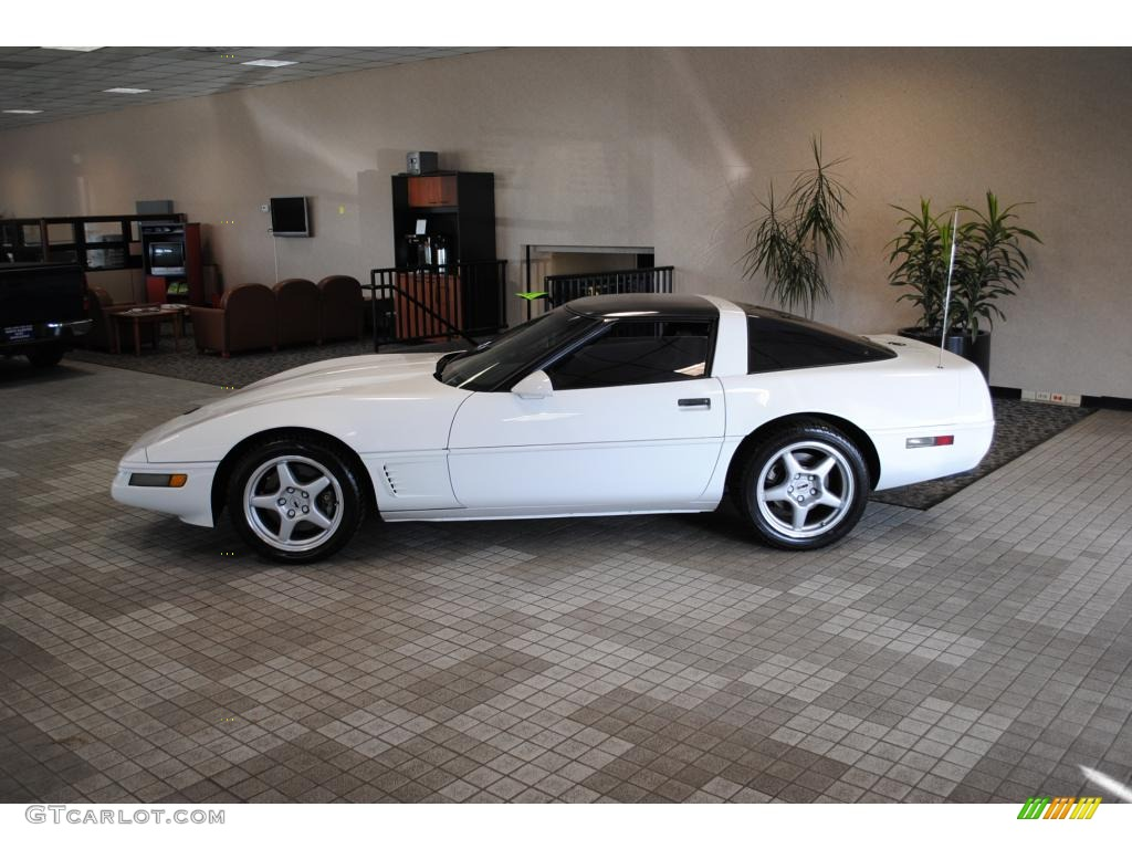 Arctic White 1996 Chevrolet Corvette Coupe Exterior Photo