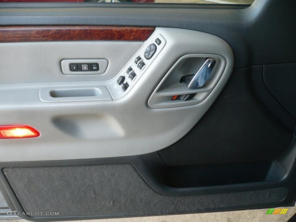 2003 Jeep Grand Cherokee Overland 4x4 Door Panel Photos