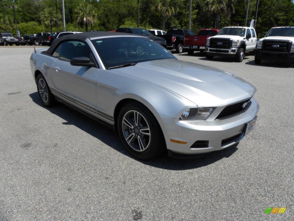 Ingot Silver Metallic Ford Mustang V Premium Convertible