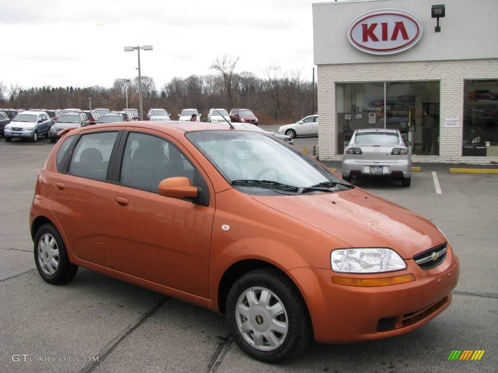 2005 Spicy Orange Metallic Chevrolet Aveo LT Hatchback 4901743