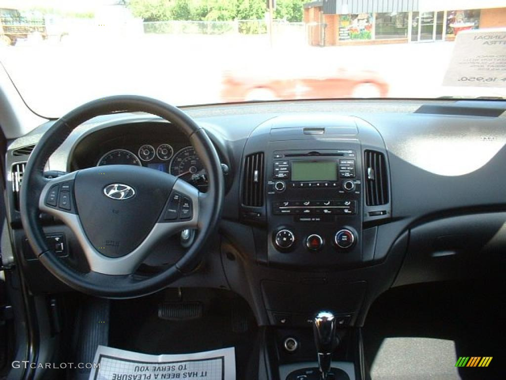 2009 Hyundai Elantra Touring Black Dashboard Photo
