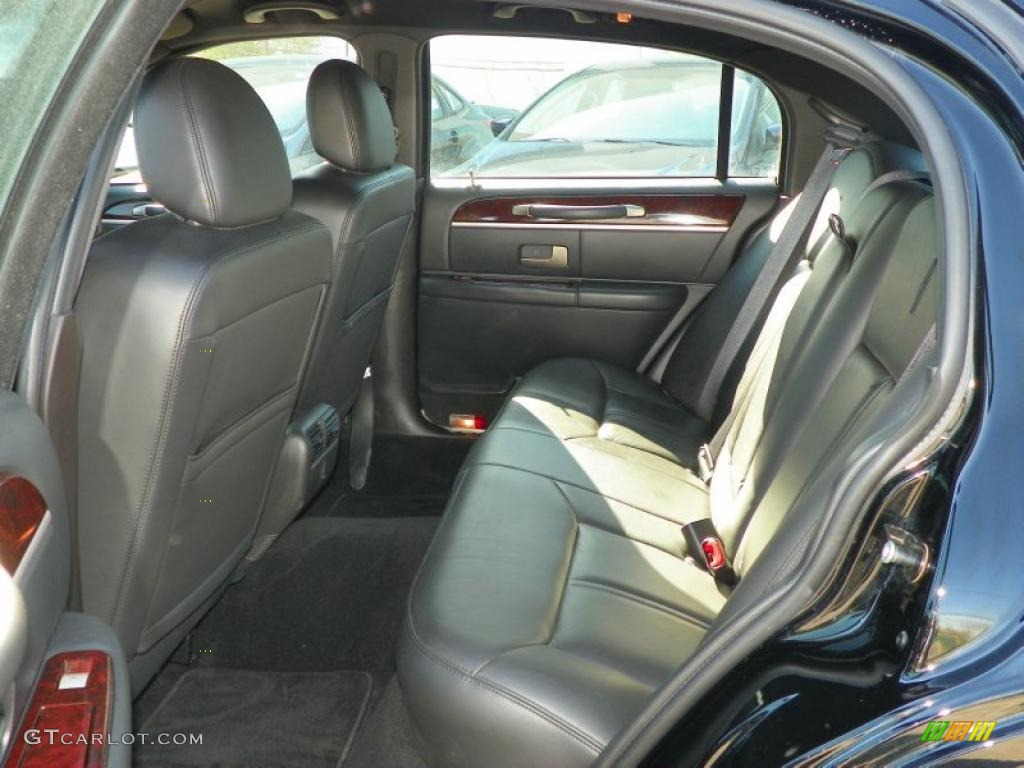 black interior 2010 lincoln town car signature limited photo 49095374. Black Bedroom Furniture Sets. Home Design Ideas