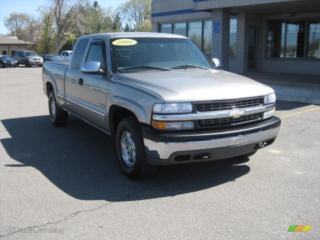 2002 Silverado 1500 LS Extended Cab 4x4 - Light Pewter Metallic / Graphite Gray photo #1
