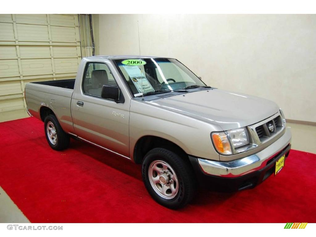 Silver Ice 2000 Nissan Frontier Xe Regular Cab Exterior