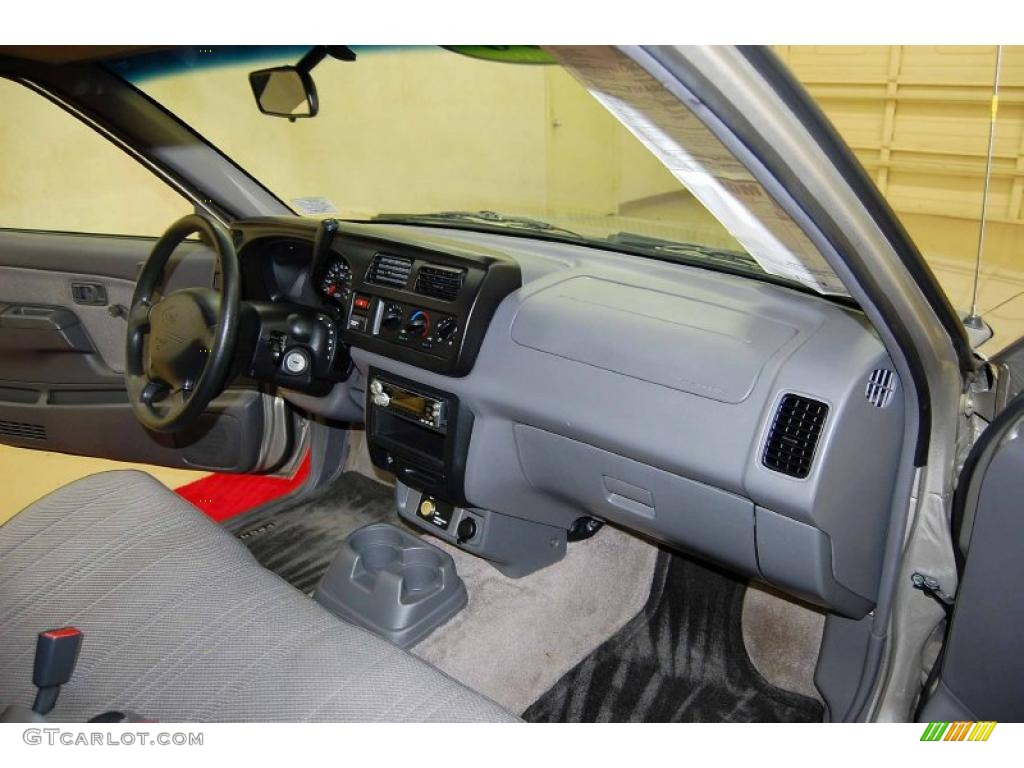 Gray Interior 2000 Nissan Frontier Xe Regular Cab Photo 49126679